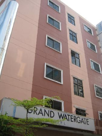 Grand Watergate Hotel: the exterior of the hotel