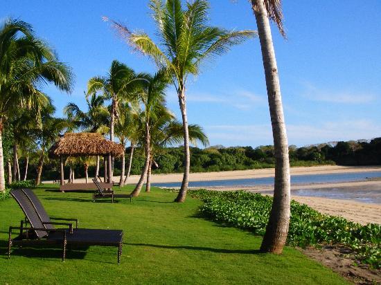 InterContinental Fiji Golf Resort & Spa: In front of an ocean-front room