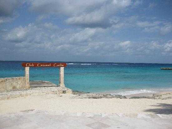 Villa Escondida Bed and Breakfast: beach club