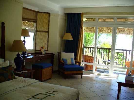Sands Suites Resort & Spa: Room
