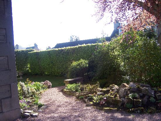 Inveran Lodge : One of the garden areas