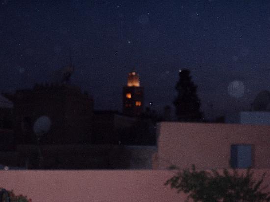 Riad Al Rimal: Vu de la terrasse de nuit