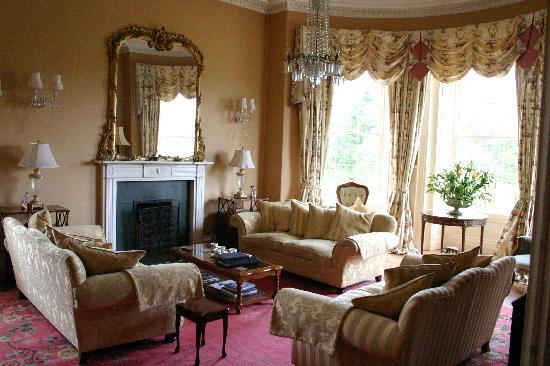 Harburn House: Main living room