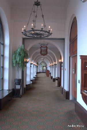 Side corridor