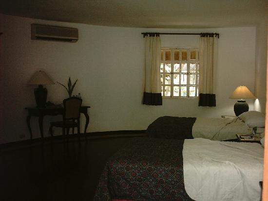 Cordova Reef Village Resort: Inside Our Room