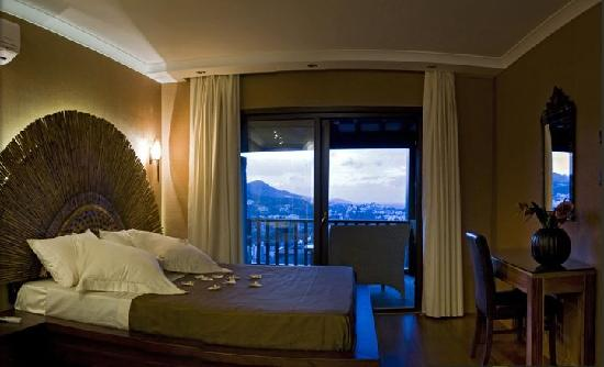 Sandima 37 Hotel Bodrum: Beautiful bed room with marvellous view.