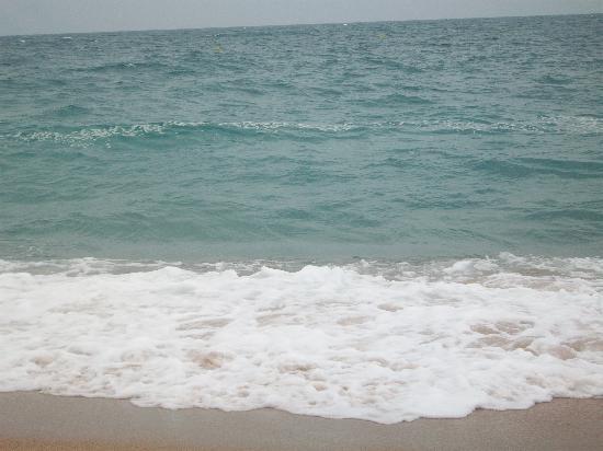 Hotel President: the beach