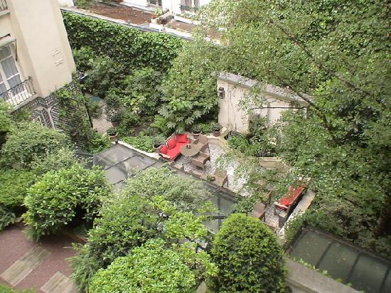 Hotel de l'Abbaye Saint-Germain: Garden view from our room