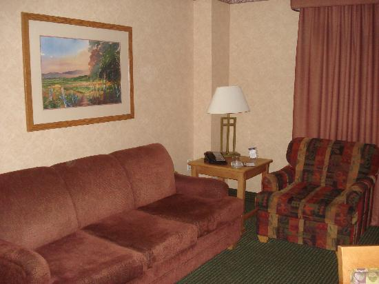 family room in 2 bedroom suite picture of embassy suites by hilton omaha downtown old market