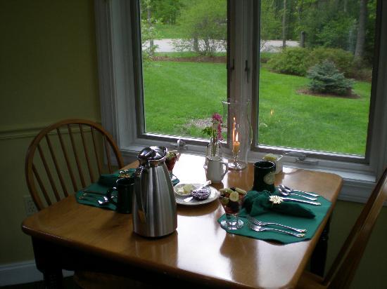 Stone Hill Inn : breakfast by candlelight