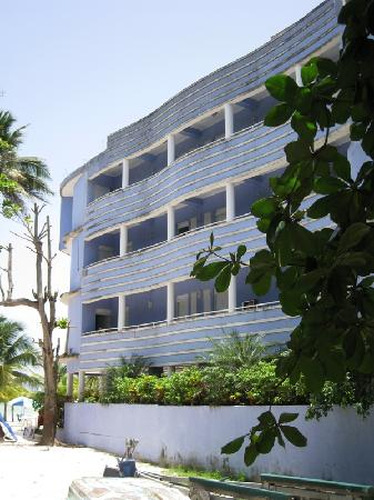 Hotel Coco Playa: Hotel from Side