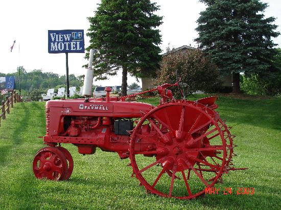 Andy's Award Winning Tractor at entry to The View Motel