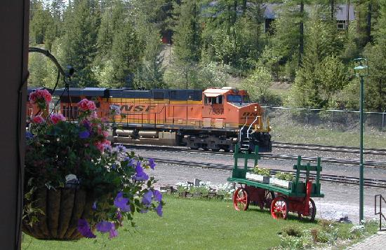 Izaak Walton Inn: train-watching from the porch