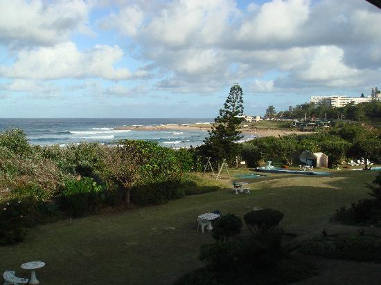 Scottburgh, Güney Afrika: el jardin del hotel y la piscina