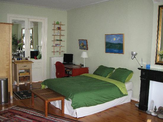 Amsterdam Bed and Breakfast: Living room
