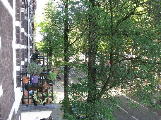 Amsterdam Bed and Breakfast: View from balcony