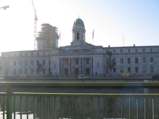 ‪كورك, أيرلندا: cork city hall‬