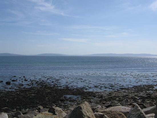 Periwinkle Bed & Breakfast: Galway Bay