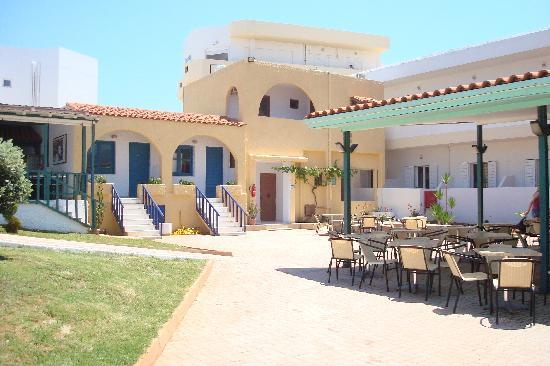 Phaedra Beach Hotel照片