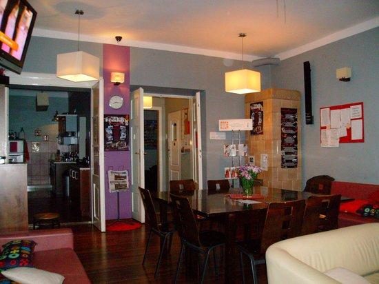 Flamingo Hostel: Hostel's common room