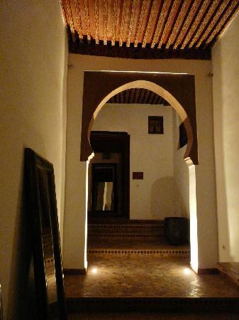 Riad Laaroussa Hotel and Spa: entrée du riad
