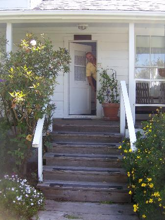 Sea Gull Inn Bed and Breakfast: Come on in!