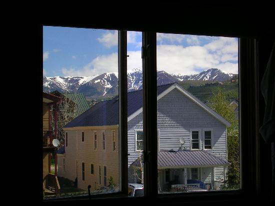 Purple Mountain Lodge Bed & Breakfast and Day Spa : View from our Paradise Divide room