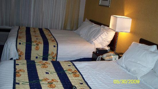 SpringHill Suites Pittsburgh Airport: View of the 2 beds