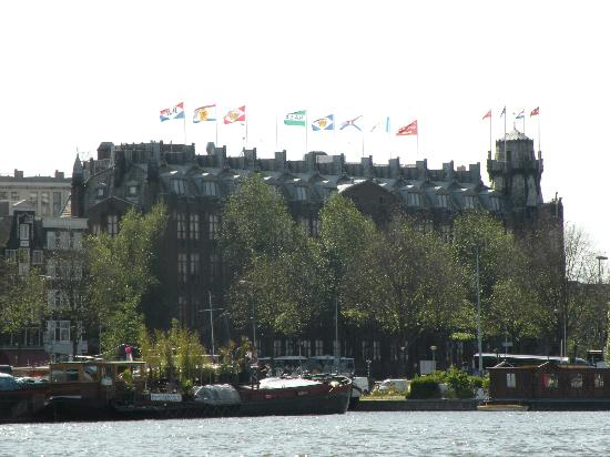 Grand Hotel Amrath Amsterdam : Hotel from Harbor