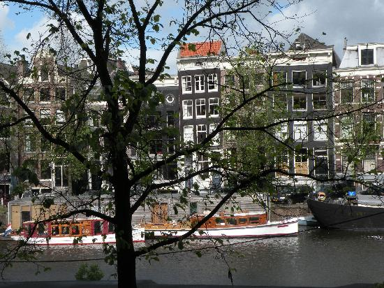 Grand Hotel Amrath Amsterdam : View from bedroom