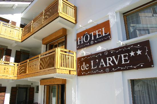 Hotel de l'Arve: vue du stationnement