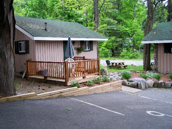 The Balsam Motel & Cottages: Cottage at the Balsam