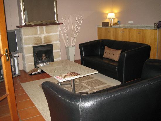 Spicers Vineyards Estate : Living room