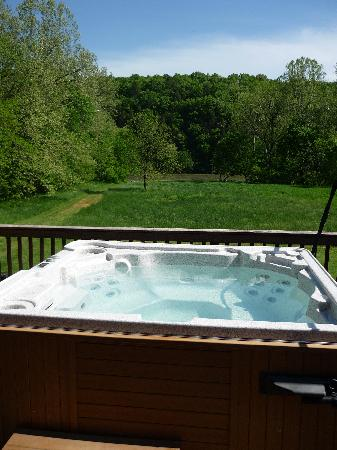 Hot tub on balcony picture of shenandoah river for Balcony hot tub