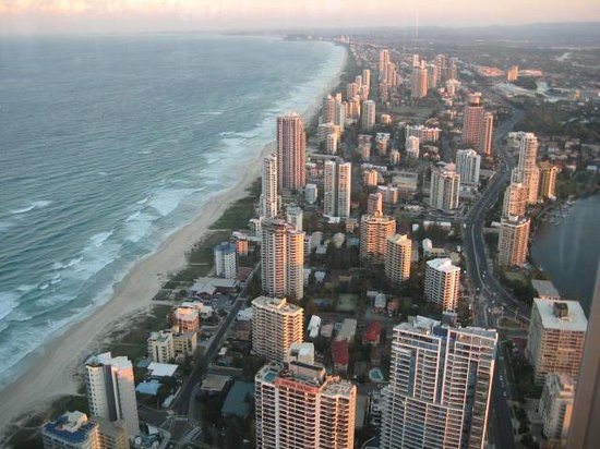Elanora, Australië: Catch a bus and head in to Surfers Paradise for this glorious view....