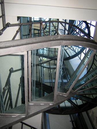 Hotel Rivoli Sorrento : Glass staircase