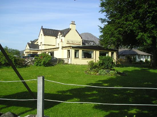 Broadford Hotel: Front view of hotel.