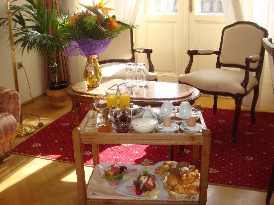 Hotel Romance Puskin: El desayuno en la habitación un pequeño lujo