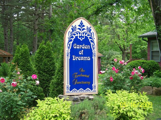 Eureka Springs, AR: A Garden Of Dreams Entrance