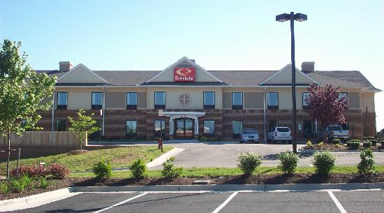 Amelia Inn & Suites: This is Econo Lodge