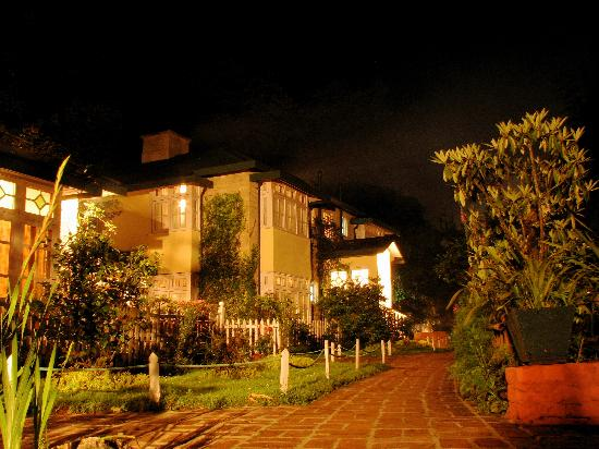 Windamere Hotel: The Windamere by the night.