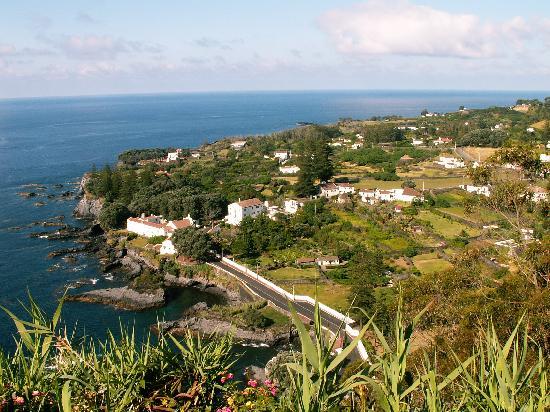 Caloura Hotel Resort: Caloura village and harbour