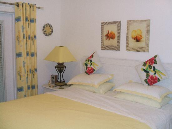 St. Christopher Club: Bedroom Oleander
