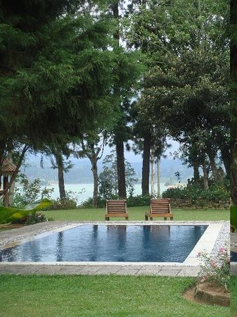 Ceylon Tea Trails: Swimming Pool