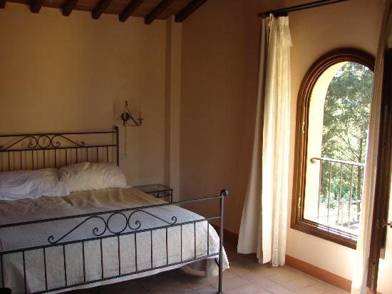 Castello Di Oliveto : Large Bedroom