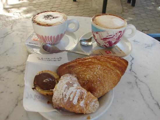 Castello Di Oliveto: All this (plus 2 more caffes) for 5 E