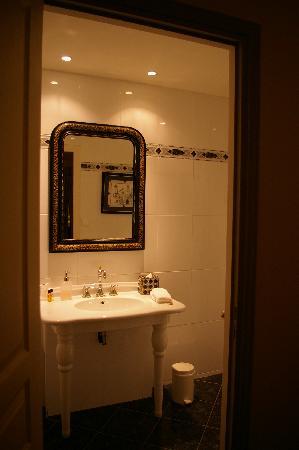 Le Plessis: La salle de bains