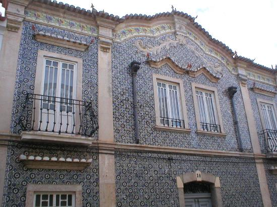 Moura, Portugal: Beautiful tiles