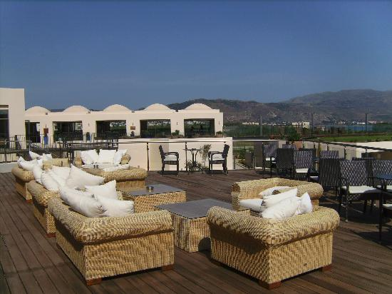 Cavo Spada Luxury Resort & Spa: terras