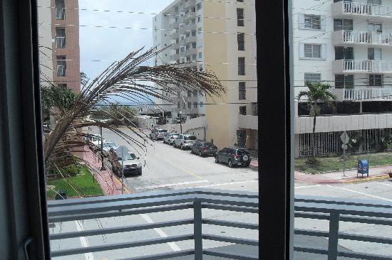 Sense Beach House : Balcony Beach view